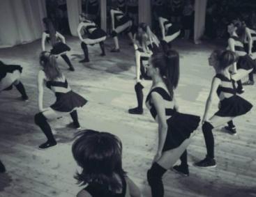 Юнные школьницы враздевалке видео 4 фотография